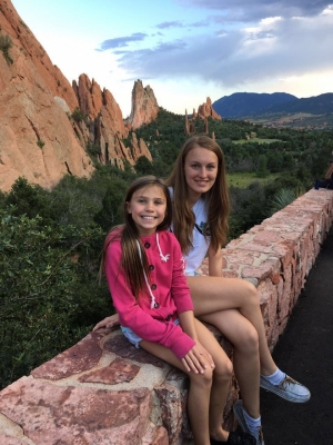 Снова с принимающей семьей, фото Лизы Е., участницы 2012-13 учебного года, штат Колорадо
